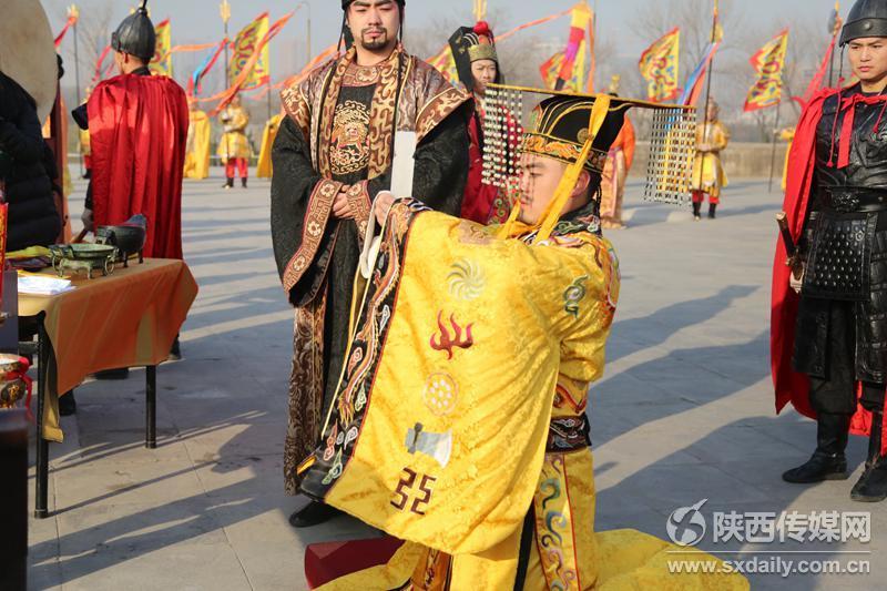 大明宫国家遗址公园再现冬至祭天礼 汉服美女观礼