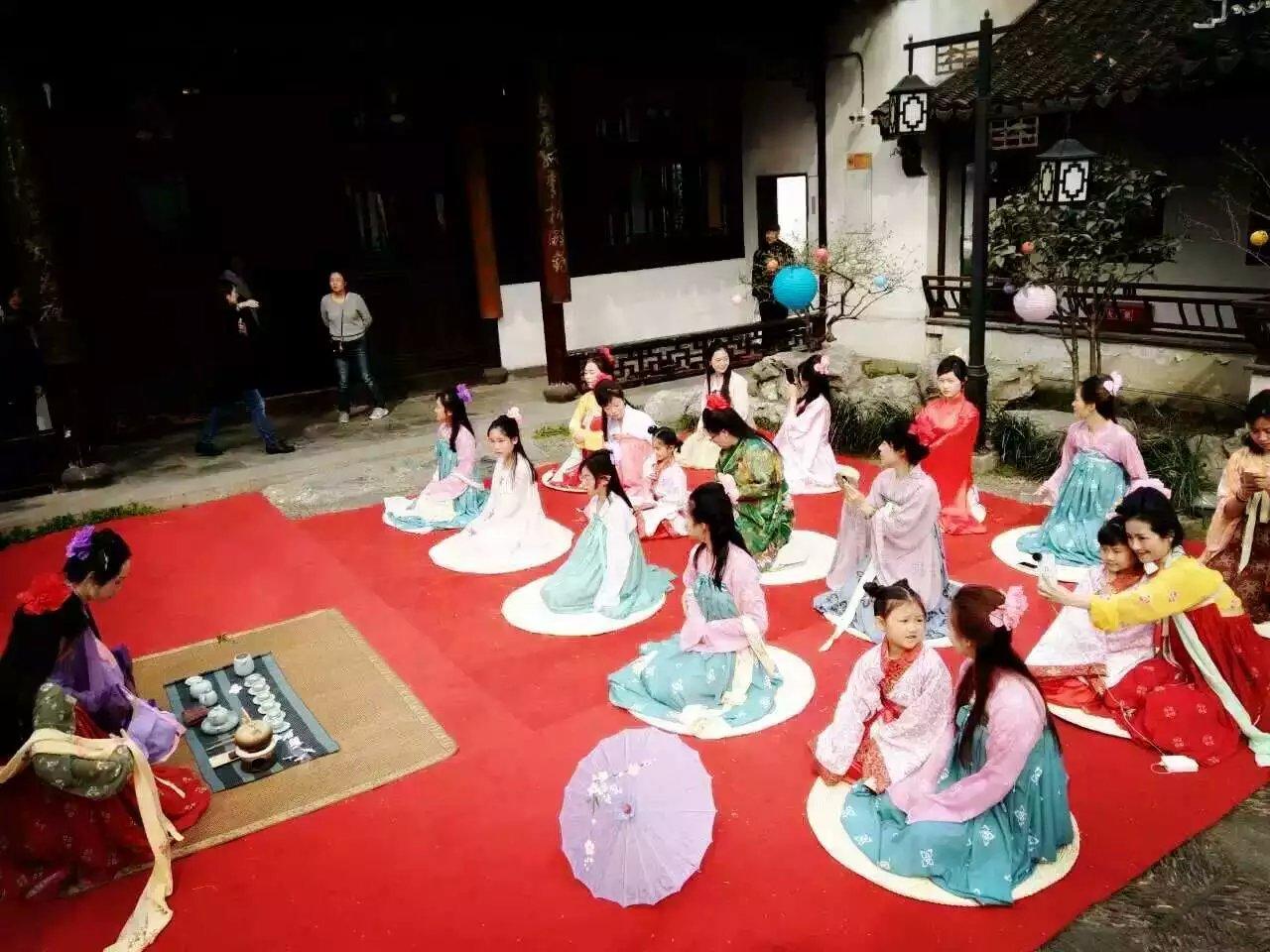 南京举办花朝节汉服活动