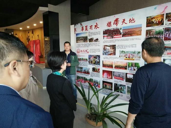芜湖市委常委、市委宣传部部长段玉嘉一行莅临栖凤阁调研指导文创工作。