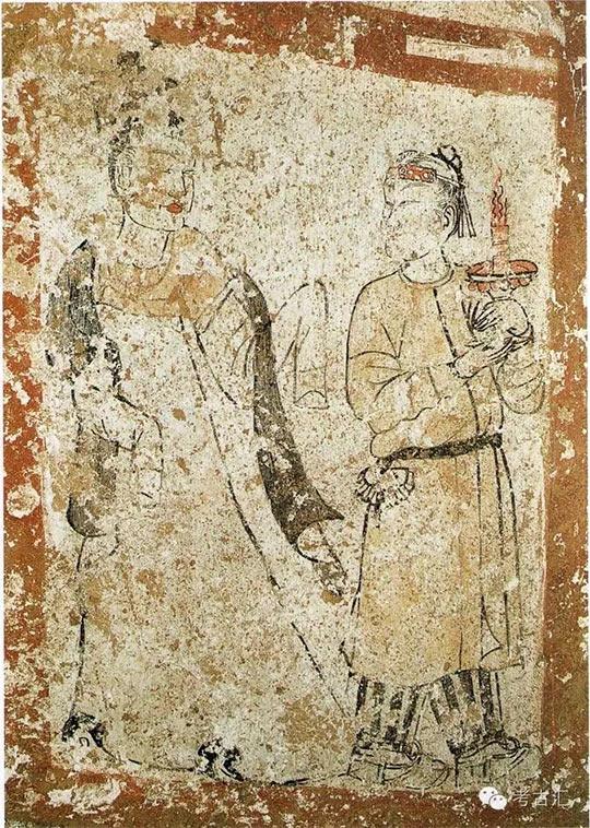 新城长公主墓第四过洞西壁壁画《秉烛与黑帔帛二女侍图》